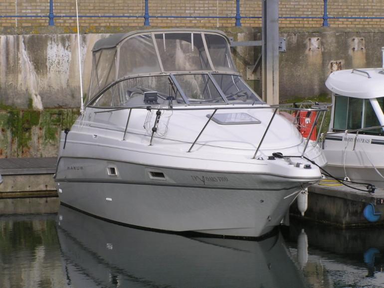 Maxum 2400SCR