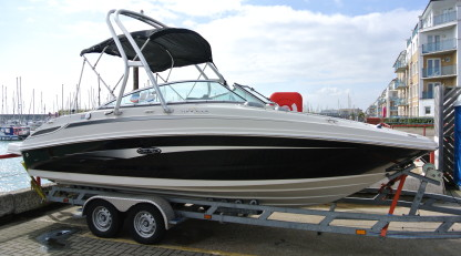 Sea Ray 210 Sundeck