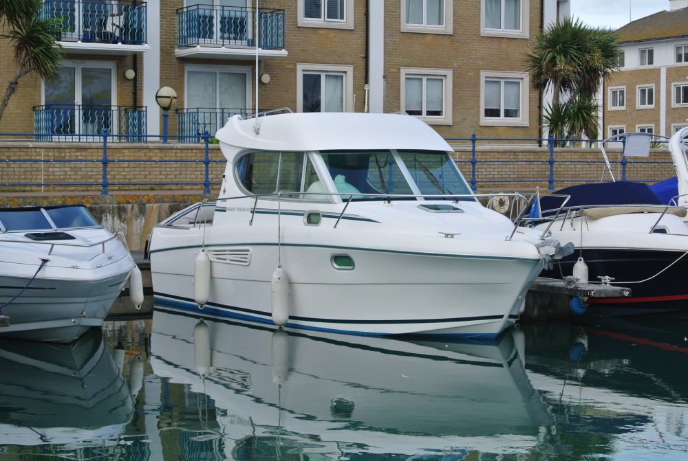 Sea Ray Sundeck >> Jeanneau Merry Fisher 805 | Brighton Boat Sales