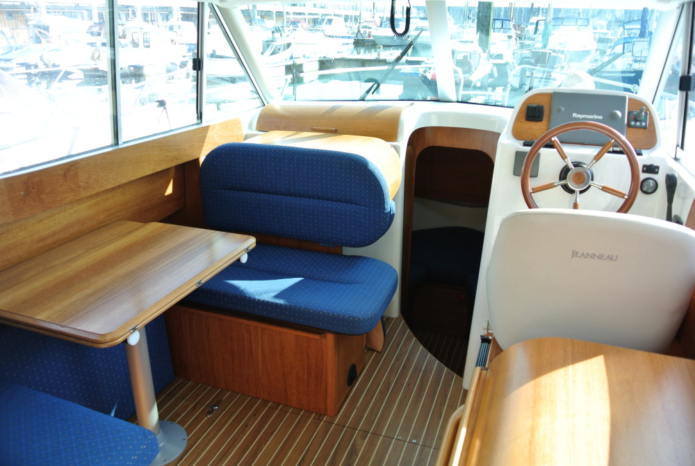 Jeanneau Merry Fisher 805 Brighton Boat Sales