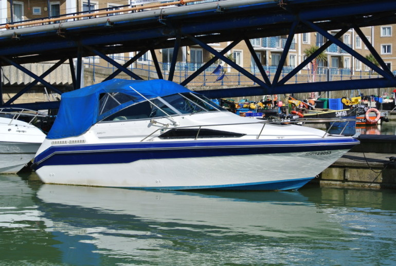 Sea Ray 220 Sundancer