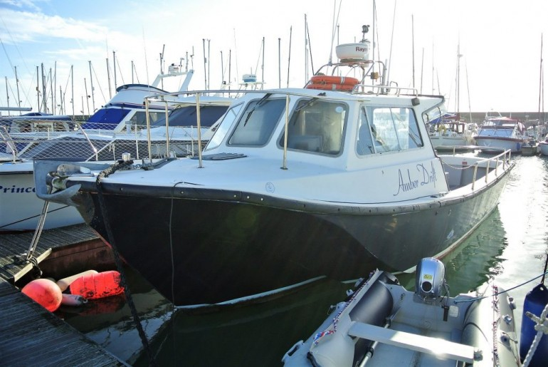 Offshore 105 Pilothouse