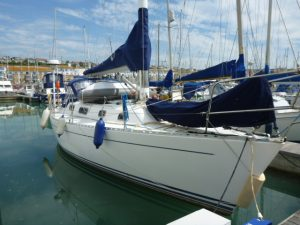 Freedom 35 yacht for sale